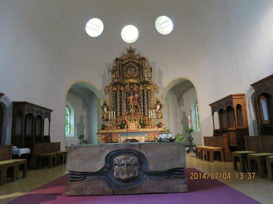 St. Mauritius Church: 祭壇