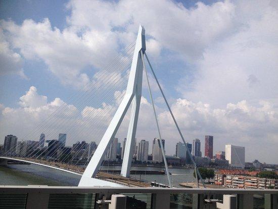 nhow Rotterdam: Nice view of city and bridge