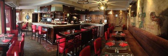 Cafe St. Antoine : salle du bar