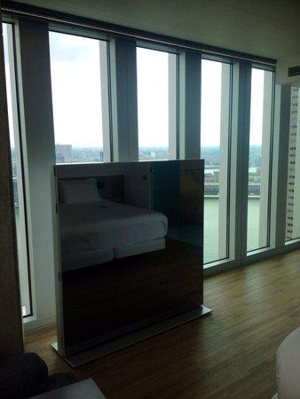 nhow Rotterdam: Nice TV