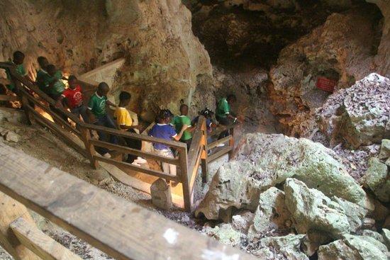 Green Grotto Caves: Por dentro da aventura