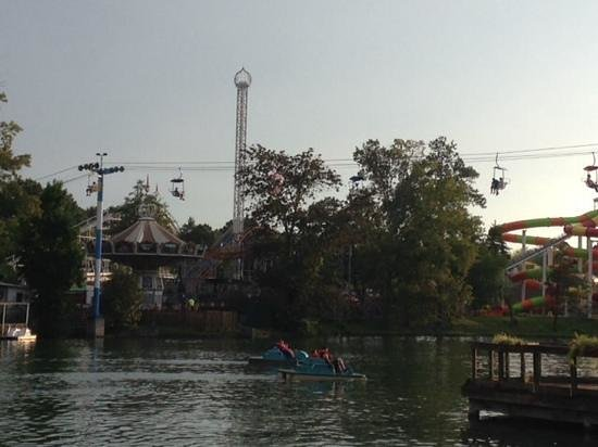 Lake Winnie Amusement Park: Overlooking the lake