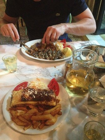 Athina Hotel: dining