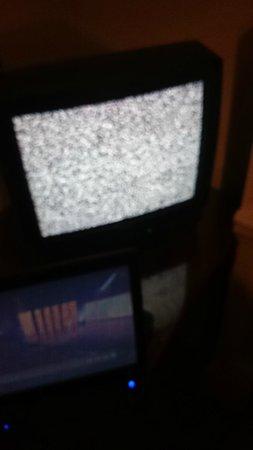 Barry's Hotel : broken tv