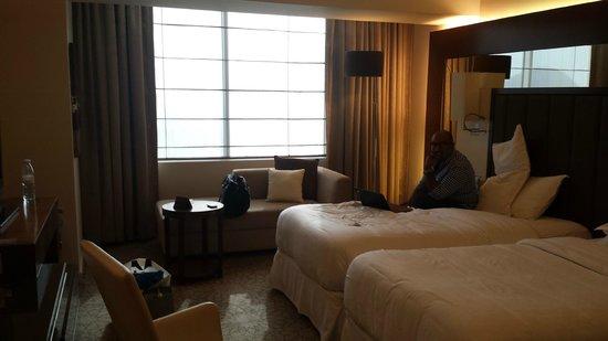 Sheraton Dubai Mall of the Emirates Hotel: Grand Room