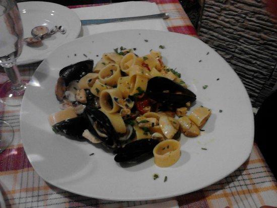 Pizza e Baba: pasta with swordfish