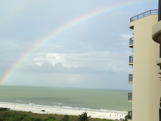 Hilton Marco Island Beach Resort : Rainbow on our last day