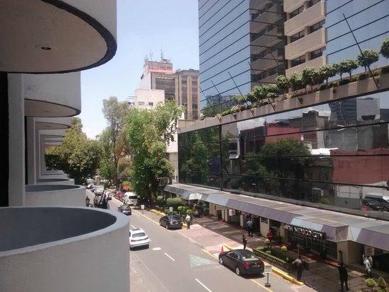 Hotel Century Zona Rosa México: Vista de la zona desde la habitacion