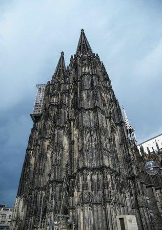 Kölner Dom: Dom Katedrali