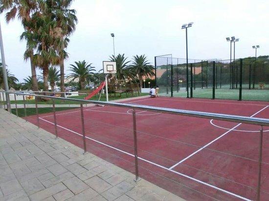 Barcelo Pueblo Menorca: Campo sportivo Barcelo' Pueblo