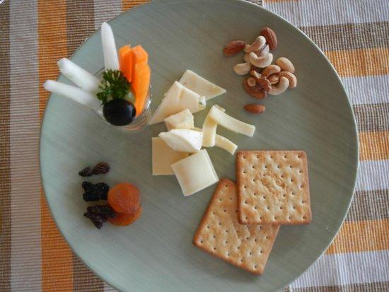 Adaaran Prestige Water Villas : cheese