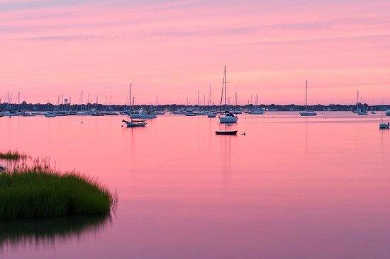 Dering Harbor Inn: Bay View