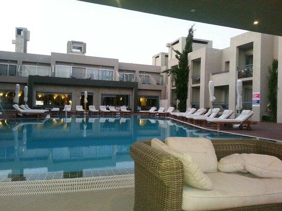 Ambrosia Hotel: Ambrosia beach hotel pool