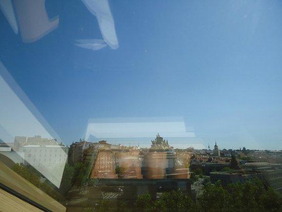 Hotel Puerta de Toledo: Vue de la chambre