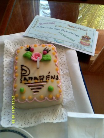 Hotel Baia Cristal: My surprise birthday cake