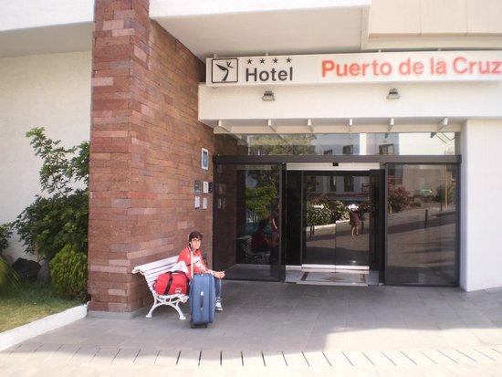 Hotel Puerto de la Cruz: ENTRADA AL HOTEL