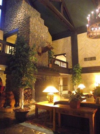 Tenaya Lodge at Yosemite : the lobby - a great place to watch the world go by.