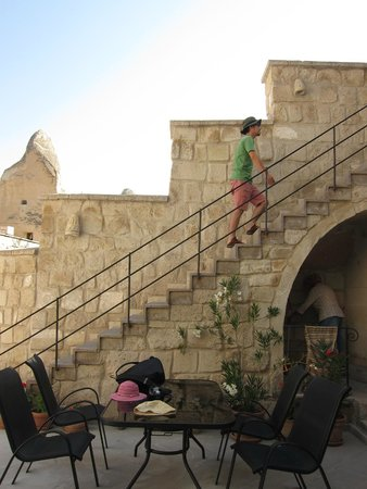 Vezir Cave Suites: outdoor stairs