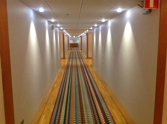 Limak Eurasia Luxury Hotel: corridor