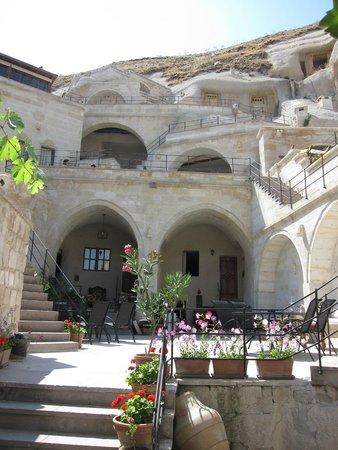 Vezir Cave Suites: facade