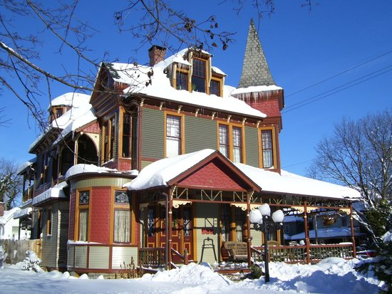 Lady Linden Bed and Breakfast: Visit in Winter