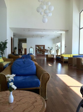 St Raphael Resort : lobby