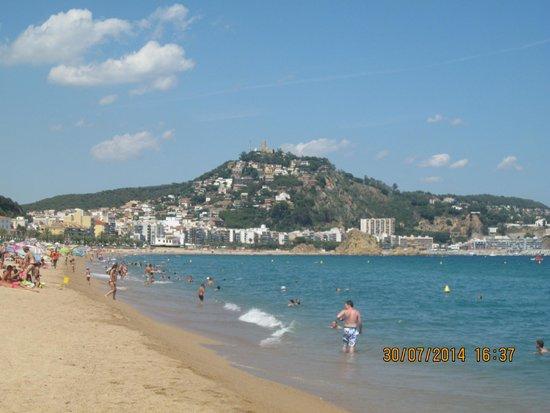 Hotel Esplendid: пляж Бланеса