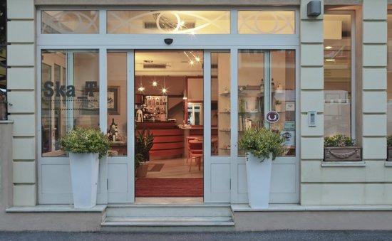 ingresso Hotel Villa Irma Miramare di Rimini