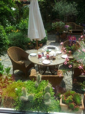 Casa Toscana Gastehaus Bed & Breakfast : Garten