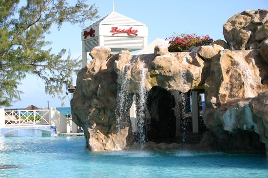 Beaches Turks & Caicos Resort Villages & Spa : Grotto in the Caribbean Village Pool