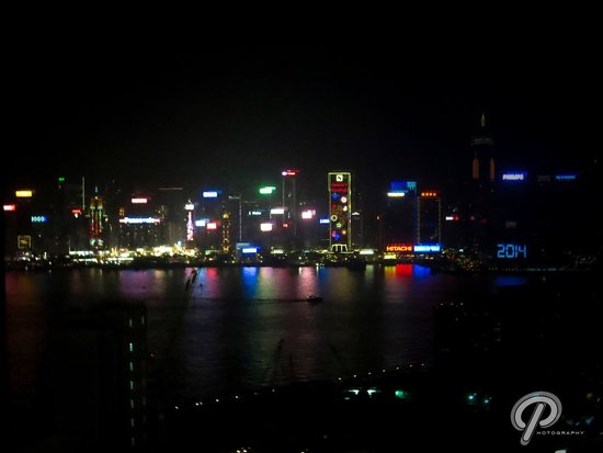 Hotel Panorama by Rhombus : View from the 29th floor at night ��