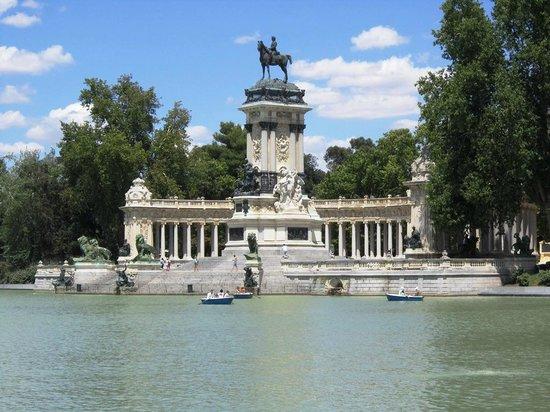 Parque del Retiro: Monument