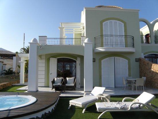 Hotel Suite Villa María: Villa