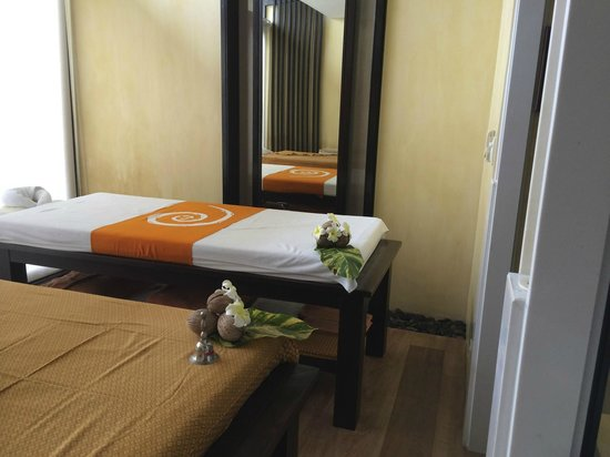 New Star Beach Resort : Spa treatment room