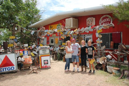 Tucumcari Trading Post: the family out in the yard