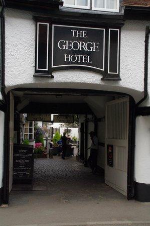 George Hotel : Pedestrian entrance