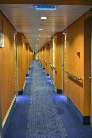 Stena Line Limited - Day Trips: Los pasillos del Stena Line a las habitaciones.