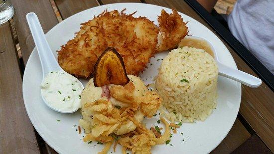 Rumba Island Bar & Grill: Coconut encrusted hog fish WOW ... so fresh ...it was amazing
