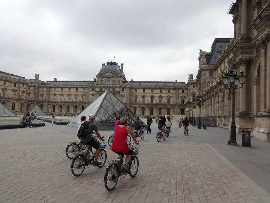 me on my first electric cycle picture of paris charms secrets tours paris tripadvisor. Black Bedroom Furniture Sets. Home Design Ideas
