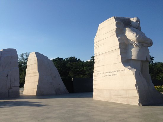 Martin Luther King, Jr. Memorial: Fitting symbolism for MLK - breaking bonds