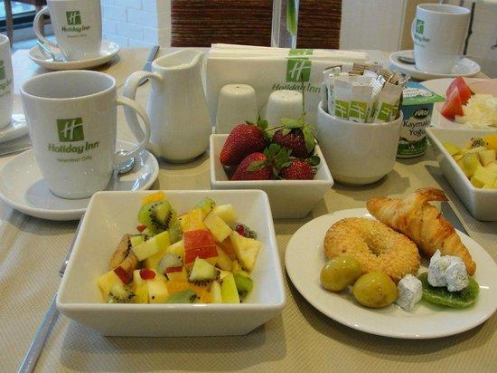 Holiday Inn Istanbul City : Завтрак
