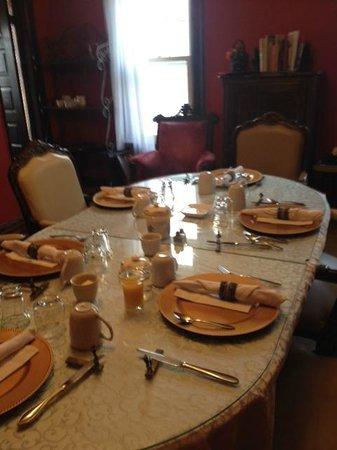 LaSalle Fort Wayne Downtown Inn : Breakfast