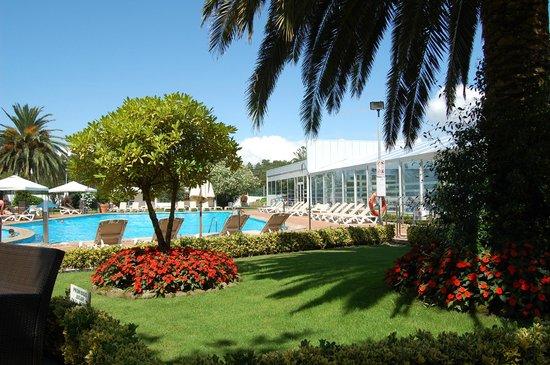 Nuevo Astur: piscina hotel