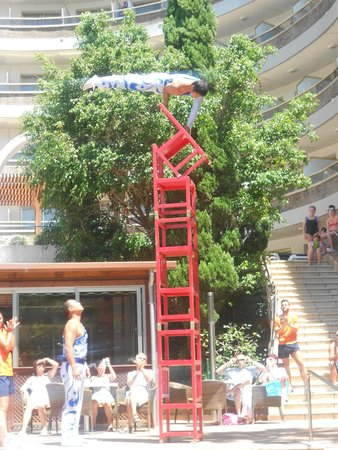 Hotel Golden Port Salou: chinese acrobats