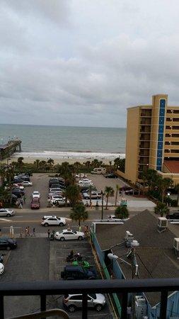 Aqua Beach Inn: Beach