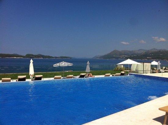Valamar Dubrovnik President Hotel : Piscine extérieur de l'hôtel