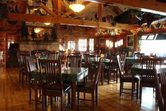 Eagle Waters Resort Restaurant: dining room