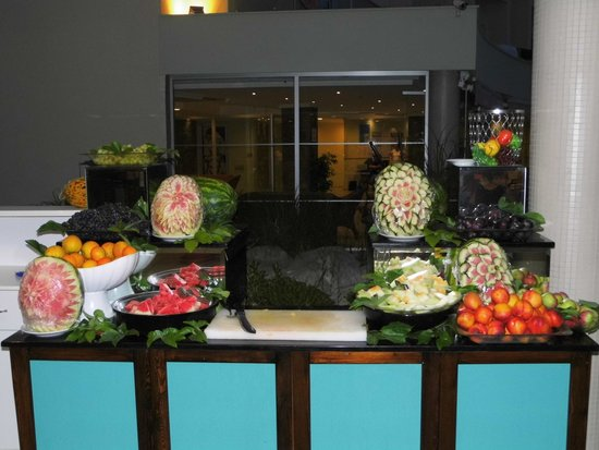 Royal Palm Beach Hotel: Fruitbuffet
