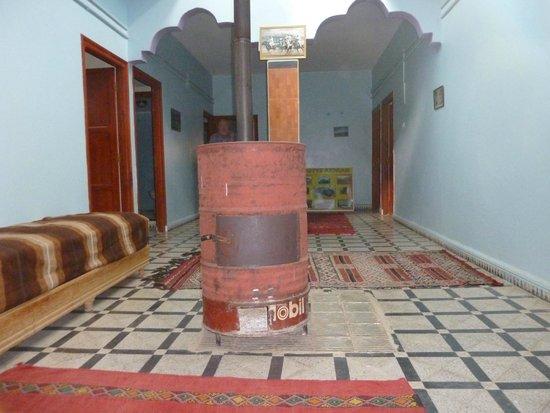 Chez Bassou : Le poêle typique de l'étage