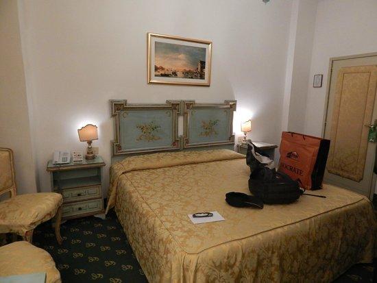 Giorgione Hotel: quarto